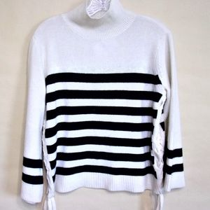 Joie Turtleneck Sweater NWT Size XS Beige/Black